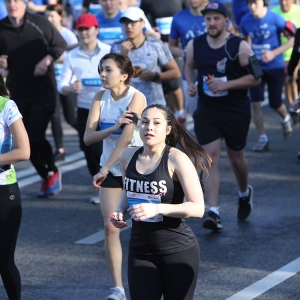 Седьмой Алматы Марафон собрал более 14 тысяч любителей бега