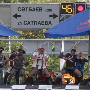 В Алматы прошла самая веселая и безумная гонка Red Bull Soapbox Race 2017